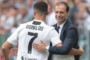 Ronaldo tri ân HLV Allegri sau tin chia tay Juventus