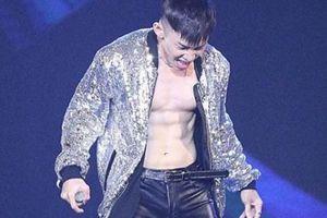 Bí quyết thân hình 9% mỡ của nam ca sĩ thích phanh áo - Kay Trần