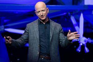 Amazon rót hàng tỉ USD cho vệ tinh, y tế, xe tự lái