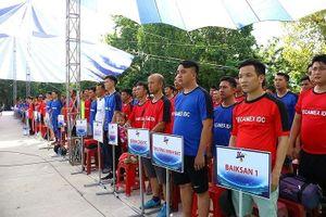 Giải bóng đá phong trào thu hút hơn 4.000 người tham gia