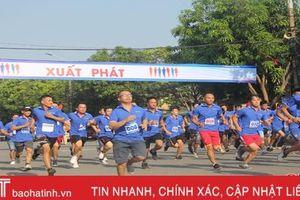 Hơn 600 VĐV tham gia chạy vì sức khỏe cộng đồng