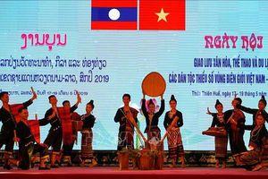 Tôn vinh bản sắc văn hóa các dân tộc vùng biên giới Việt - Lào