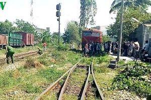 Một người bị tàu đâm tử vong khi băng qua đường sắt