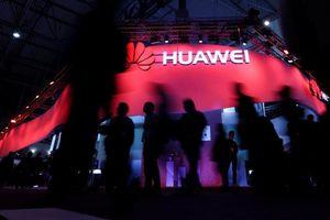 Google vừa 'chia tay' Huawei, có thể ngừng cung cấp Android mới