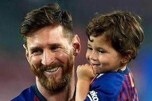 Con trai Messi hào hứng khi nghe nhạc Justin Bieber