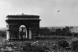Loạt hình ấn tượng ngày giải phóng thủ đô Paris năm 1944