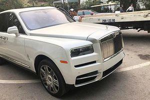Cận cảnh SUV Rolls-Royce Cullinan hơn 40 tỷ tại Hà Nội