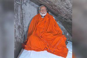 Thủ tướng Ấn Độ lên núi tọa thiền để lấy phiếu cử tri