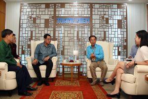 Đoàn đại biểu cấp cao thanh niên Lào thăm Báo: Mong muốn học hỏi kinh nghiệm làm báo hiện đại