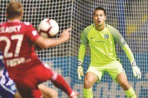 HLV Park Hang Seo 'chấm' một cầu thủ Việt kiều đá vòng loại World Cup
