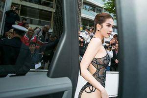 Váy Ngọc Trinh phản cảm ở Cannes, NTK nói 'Ai chửi thì chửi, tụi mình thấy đẹp'