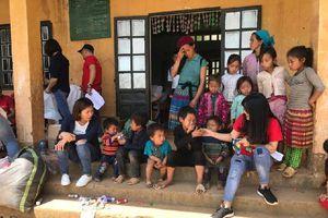 Hoạt động 'Kết nối yêu thương' trao hơn 130 triệu cho trẻ em vùng cao