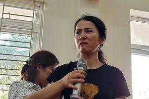 Buộc thôi việc cô giáo Trang