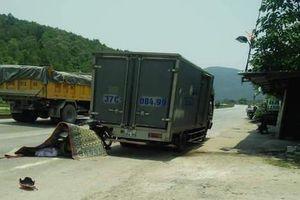 Đâm vào xe tải đang dừng đỗ, người đàn ông tử vong tại chỗ