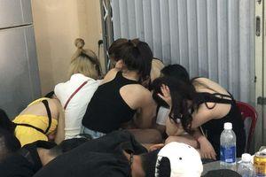 Đột kích vũ trường lớn nhất Đà Nẵng, phát hiện 75 người 'dính' ma túy