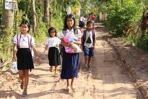 Lo học sinh bị sốc nhiệt do nắng nóng, bộ giáo dục nước này cắt giảm nửa giờ học mỗi ngày