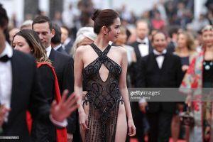 Không chỉ đốt nóng ở Cannes, Ngọc Trinh từng cởi váy làm Ring girl ở sàn đấu võ