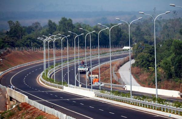Vì sao doanh nghiệp trong nước e dè với cao tốc Bắc - Nam?