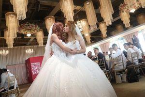 Đài Loan tổ chức đám cưới chung đầu tiên cho các cặp đồng tính