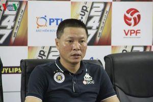 HLV Hà Nội FC tiết lộ lý do điền tên Bùi Tiến Dũng vào đội hình ra sân