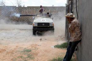 Hình ảnh tiền tuyến Tripoli trong vòng xoáy bạo lực ở Libya
