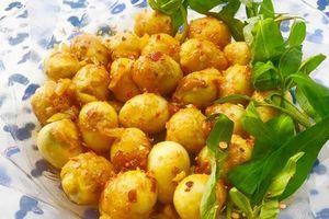 Trứng cút xào bơ tỏi đậm đà, ngon cơm