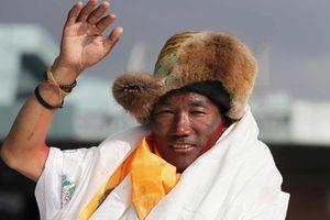 Người đàn ông Nepal lập kỷ lục 24 lần leo đỉnh Everest