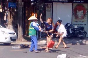 Quảng Trị: Phạt cô gái xả rác đánh chị lao công 2,5 triệu đồng