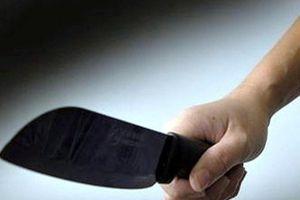 Thanh Hóa: Mượn thuyền không được, dùng dao chém bé gái nhiều nhát vào đầu