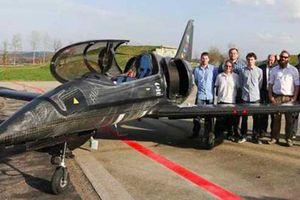 Độc đáo: Máy bay UL-39 Albi sử dụng động cơ từ siêu phẩm BMW S1000RR