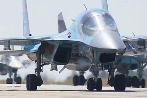 Căn cứ không quân Nga ở Syria lại 'hứng' hỏa tiễn