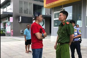 Việt kiều dắt chó đi dạo xúc phạm bác bảo vệ bị phạt 700 ngàn đồng