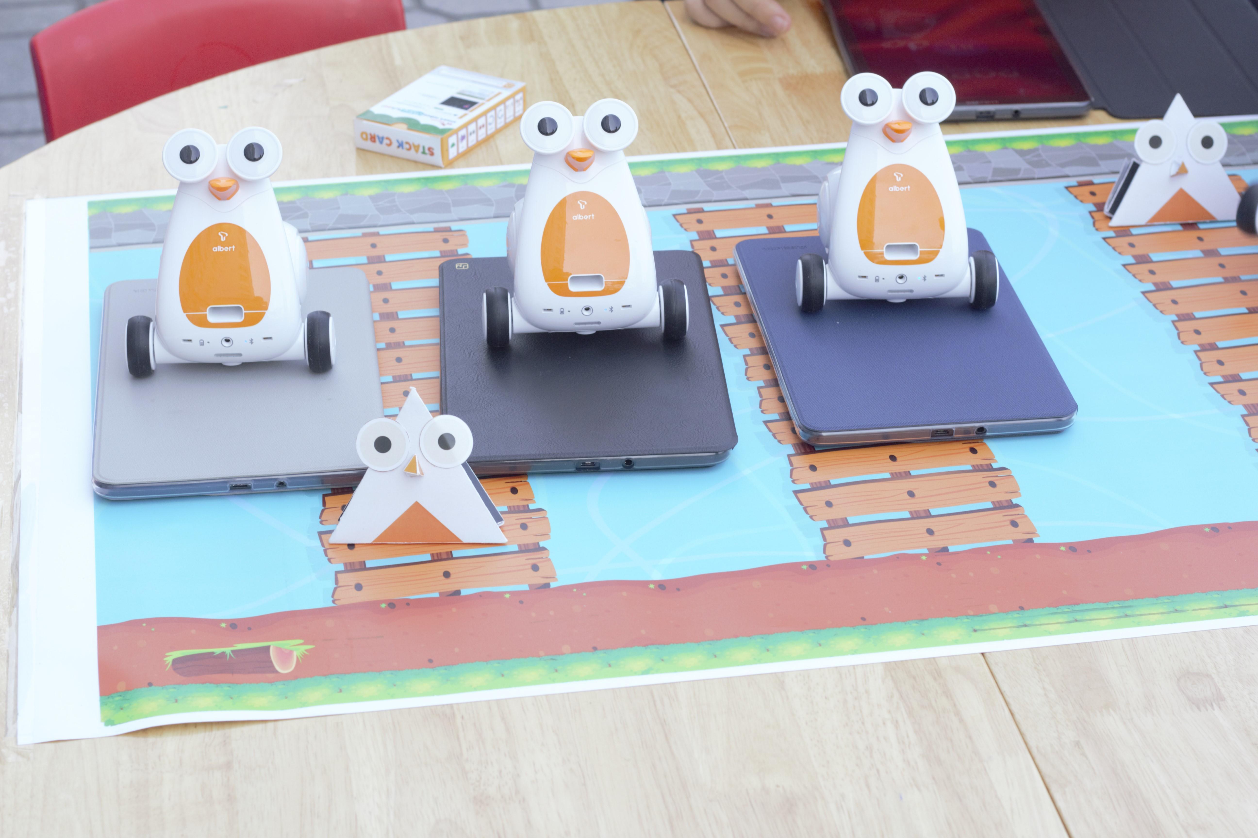 Cho trẻ làm quen với lập trình với công nghệ Robot Albert: Xu thế thời 4.0 !