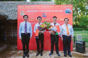 BIENDONG POC kết nạp đảng viên mới tại làng Sen quê Bác