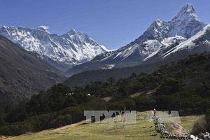 Nhà leo núi người Nepal lập kỷ lục 24 lần chinh phục đỉnh Everest