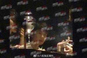 Sau scandal hút thuốc trong nhà hàng, Vương Nguyên lên tiếng xin lỗi công chúng và fan TFBOYS