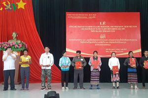 Trao Quyết định nhập quốc tịch Việt Nam cho 38 người Lào ở Kon Tum