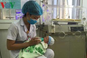Đã có gia đình xin nhận nuôi bé sơ sinh bị bỏ rơi ở Sơn La