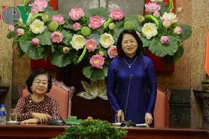 Phó Chủ tịch nước gặp mặt đoàn đại biểu được giải thưởng Vừ A Dính