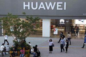 Huawei: 'Chúng tôi là quả bóng trong cuộc chiến thương mại giữa hai nước lớn'