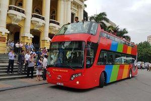 Xe buýt du lịch hai tầng ở TP.HCM có gì?