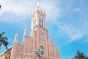 Ngoài Đà Lạt, thành phố miền Trung nào cũng có nhà thờ Con Gà?