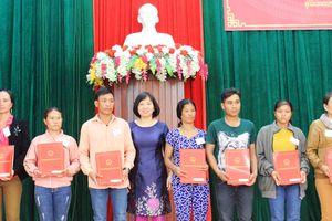 Nhập Quốc tịch Việt Nam cho 38 công dân Lào cư trú tại tỉnh Kon Tum
