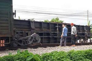 Nguyên nhân tàu hỏa trật bánh tại Nam Định khiến đường sắt Bắc-Nam tê liệt