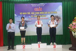Gần 140 vận động viên tranh tài tại Giải vô địch trẻ, học sinh môn Cờ Vua TP Cần Thơ