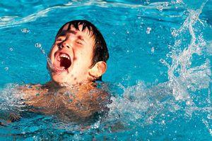 7 phút rời con, người mẹ đau đớn nhận tin dữ con bị đuối nước