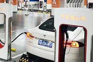 Bí kíp Trung Quốc chiếm ngôi đầu sản xuất pin xe điện