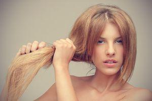 Mẹo hay khắc phục đuôi tóc chẻ ngọn