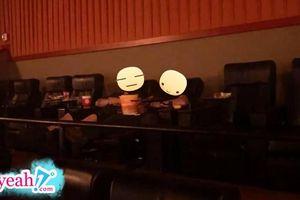 Hai thanh niên vào rạp chiếu phim rồi... rủ nhau ngủ 'ngáy rần trời' khiến bao người ngao ngán