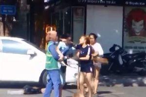 Quảng Trị: Chủ shop quần áo bị phạt 2,5 triệu đồng vì xâm phạm sức khỏe người lao công